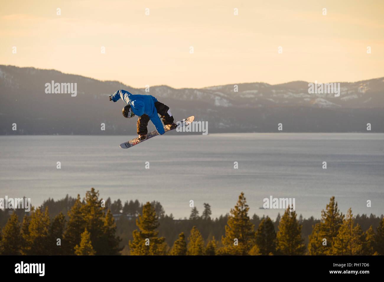Big Air snowboard concorrenza a valle Heavenly Ski Resort in South Lake Tahoe, California, America del Nord Immagini Stock
