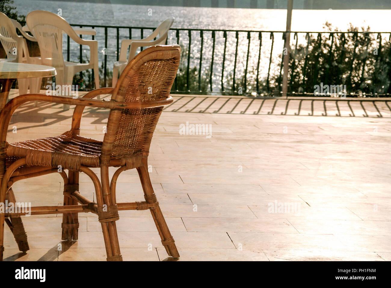 Stock Sedie Di Legno.Sedie Sul Balcone Sedie Di Legno Sul Balcone Con Una Bella Vista