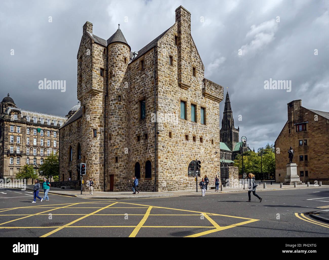 St Mungo Museum di arte religiosa e la vita in Castle Street Glasgow Scotland Regno Unito Immagini Stock