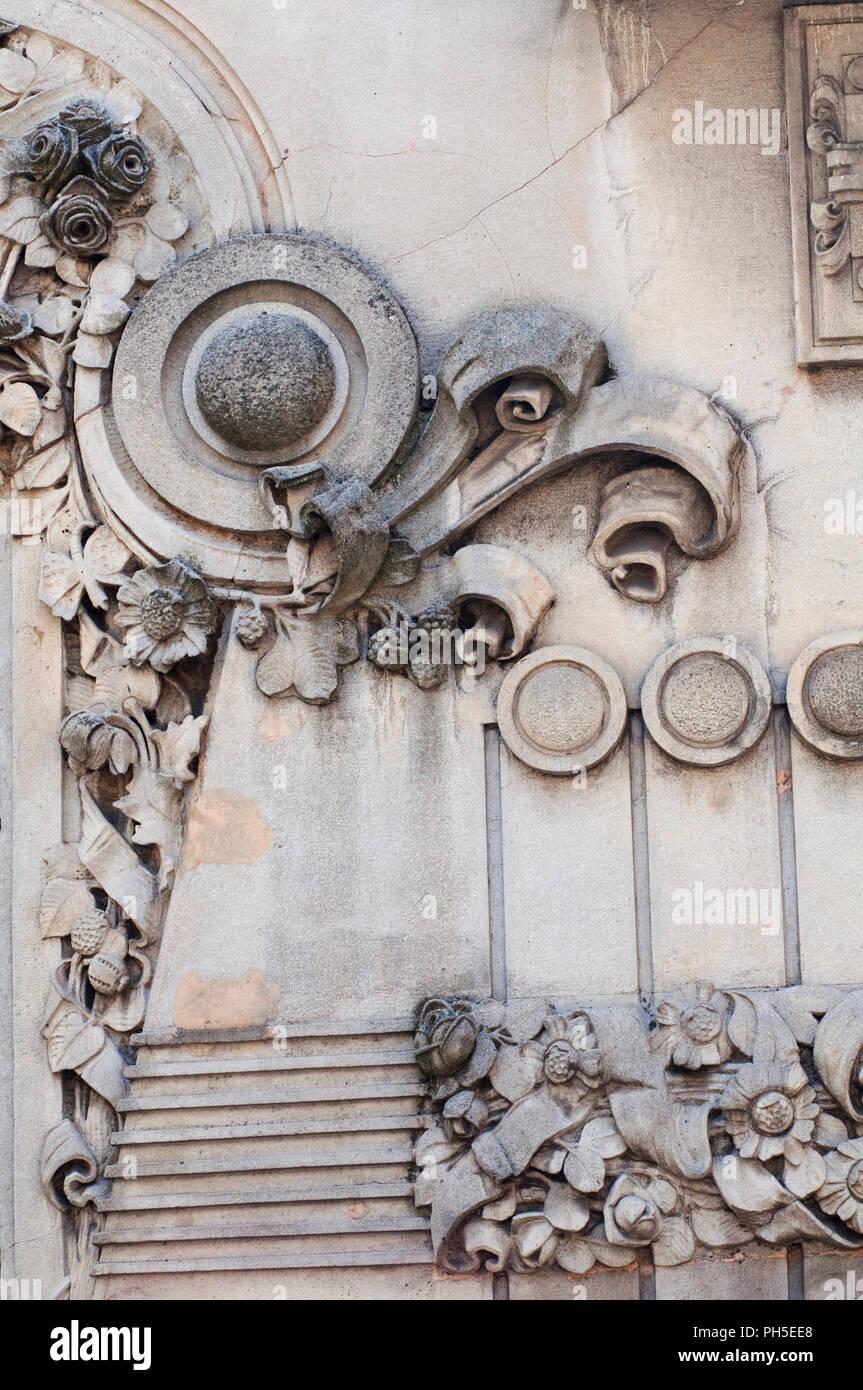 L'Italia, Lombardia, Milano Via Frisi, Ex Cinema Dumont da Ferdinando Tettamanzi e Giovanni Mainetti uno dei primi cinema in Italia, facciata in dettaglio Immagini Stock