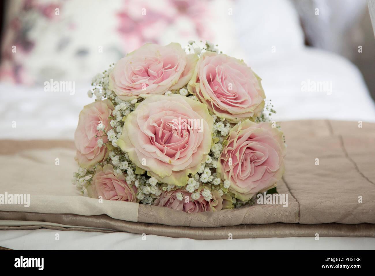 Matrimonio In Rosa : Brides rosa rosa bouquet di nozze il giorno del matrimonio foto