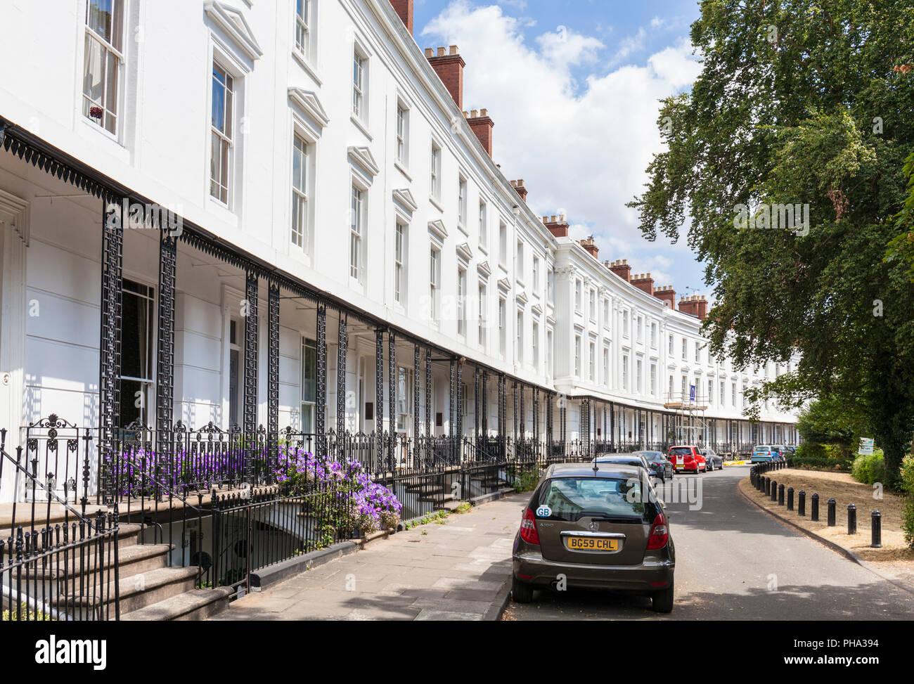Leamington Spa royal leamington spa città architettura Regency di elementi in ferro battuto e balconi in Leamington Spa Warwickshire England Regno unito Gb europa Immagini Stock