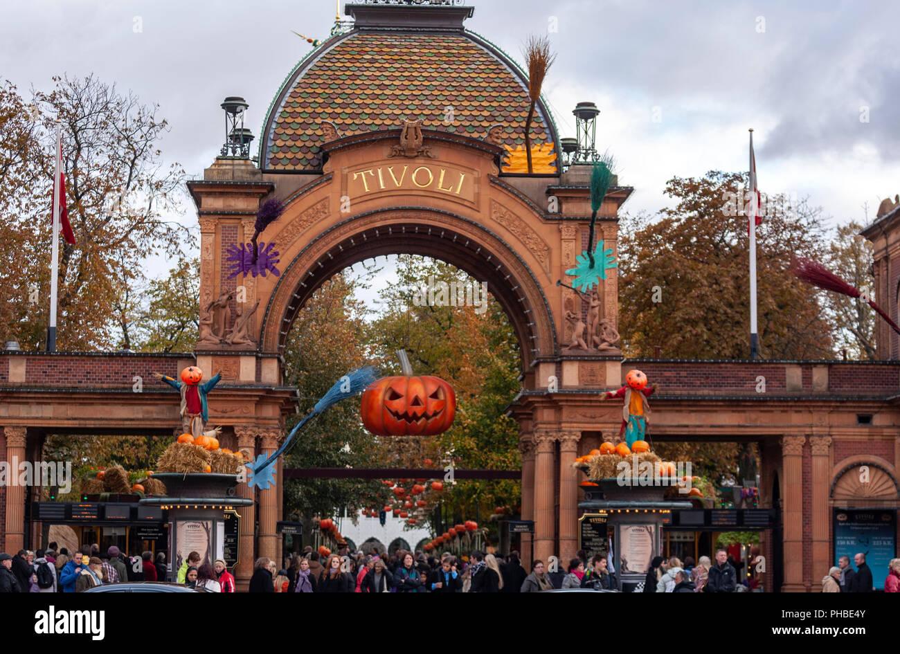 Jack o lantern halloween nel parco divertimenti giardini di tivoli e