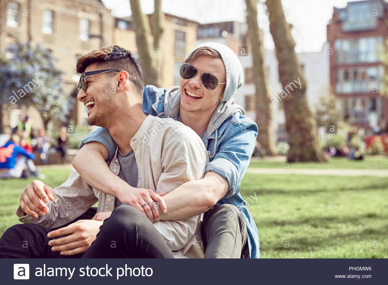 Amici Gay Teen All Aperto