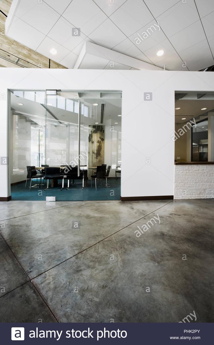 Sala conferenze in un ufficio moderno Immagini Stock