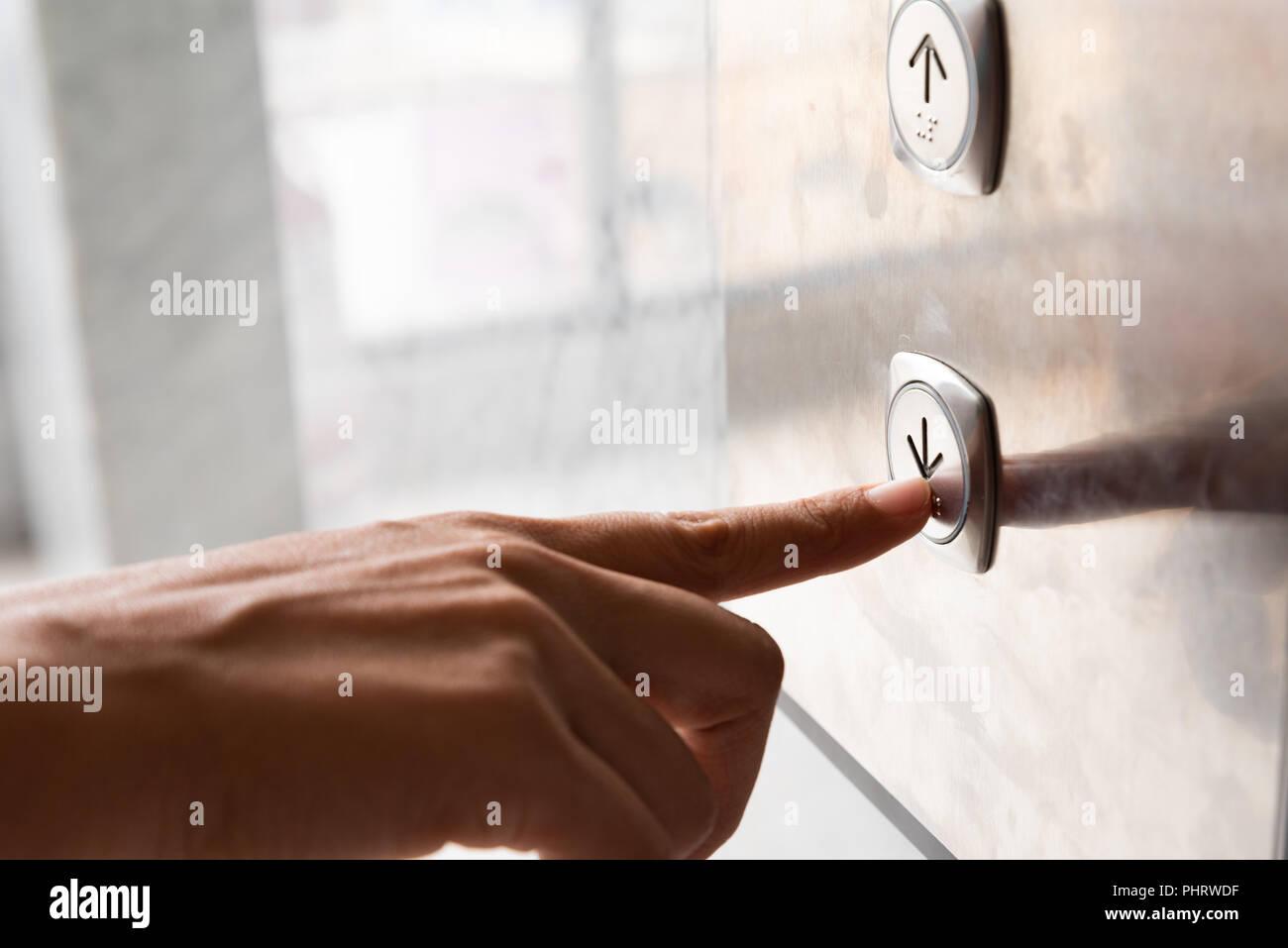 Push Button Inside The Lift Immagini & Push Button Inside