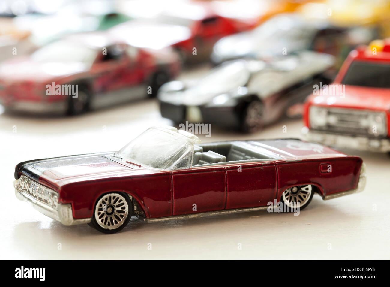 1964 Lincoln Continental convertible Hot Wheels auto giocattolo - USA Immagini Stock