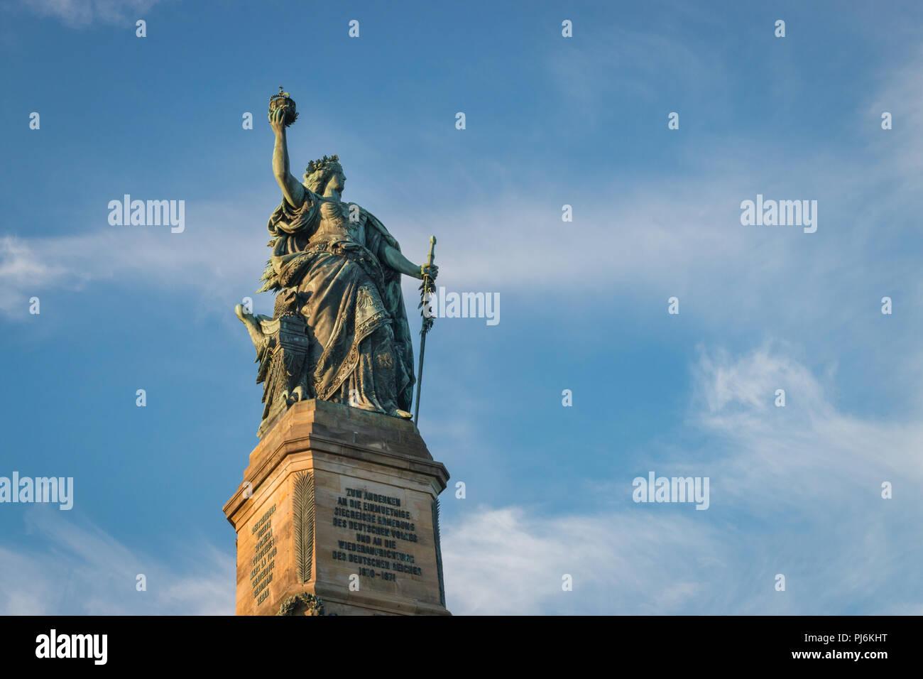 Niederwalddenkmal con germanio statua al di sopra di Ruedesheim, Germania Immagini Stock