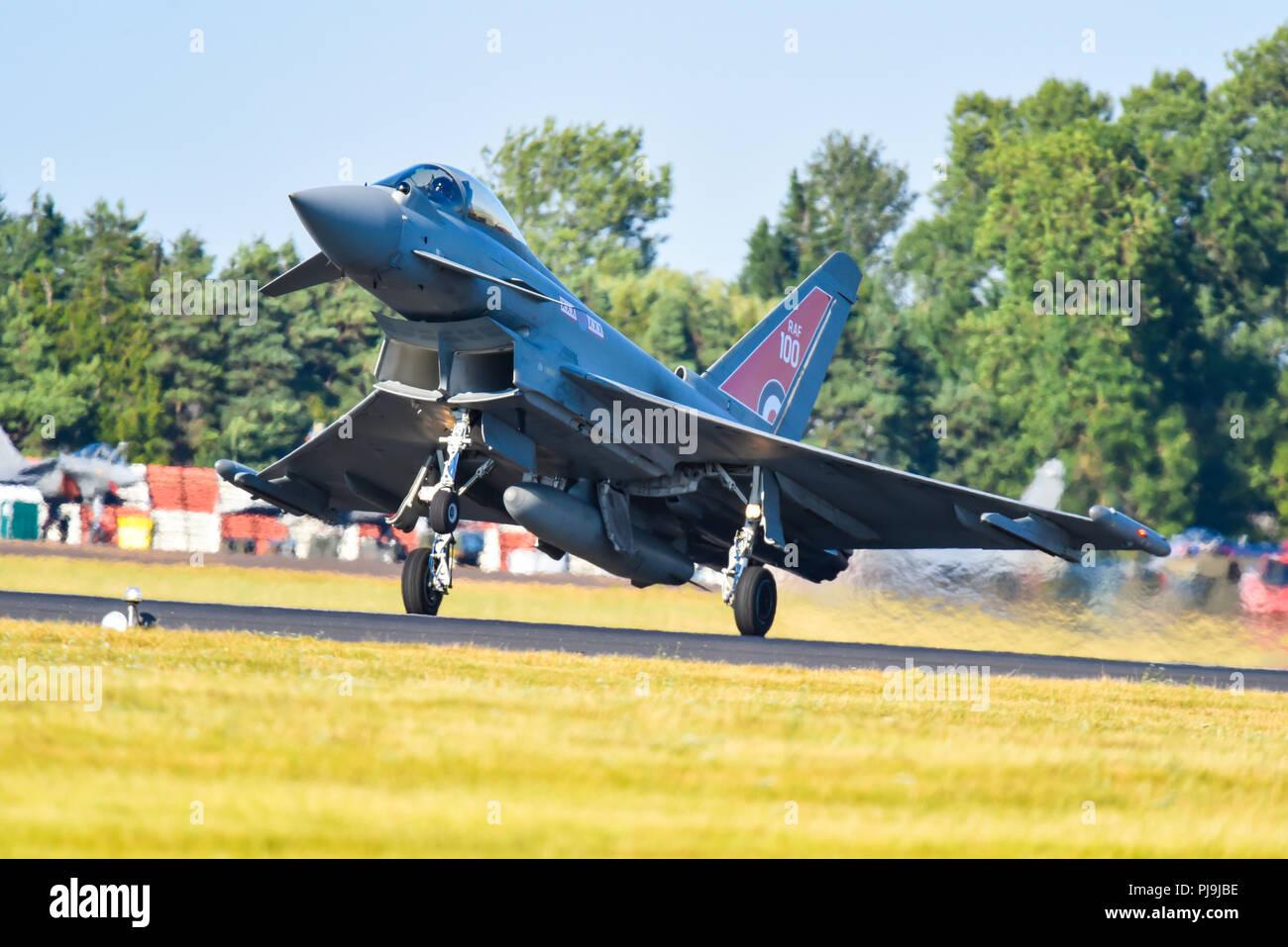 Aereo Da Caccia Efa : Due caccia eurofighter typhoon del fighter wing dal tedesco air