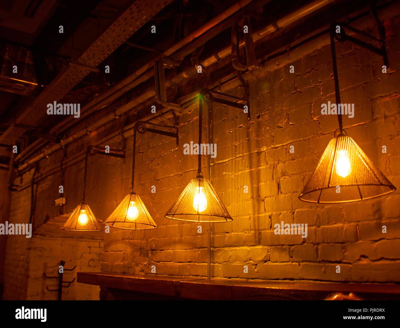 Vintage lampada di illuminazione appendere nella parte anteriore