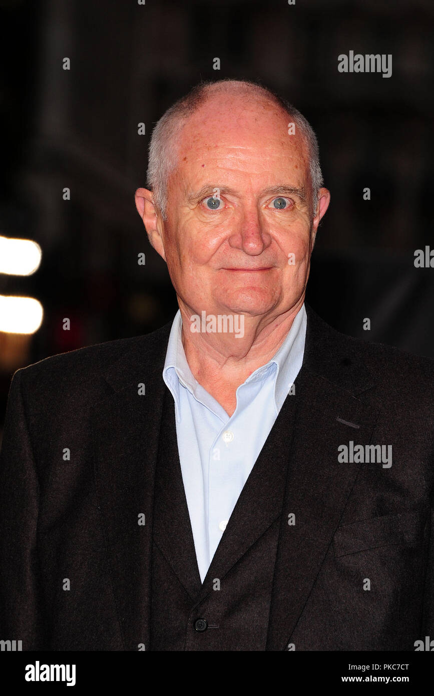 Londra, Regno Unito. Xii Sep 2018. Jim Broadbent frequentando la Premiere mondiale del re dei ladri al La Vue West End Leicester Square Londra 12 settembre 2018 Credit: Peter Phillips/Alamy Live News Foto Stock