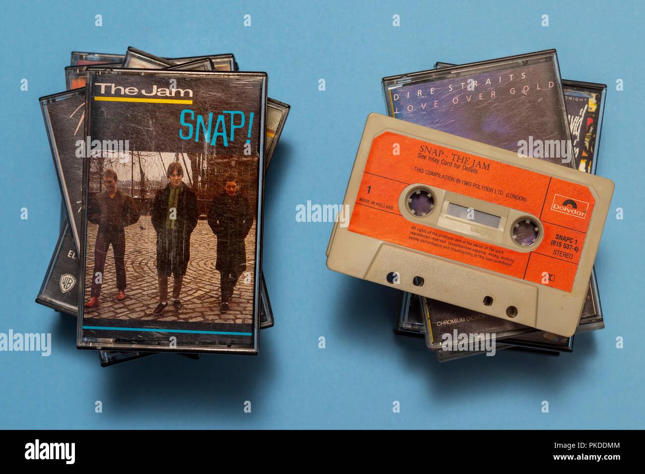 Compact audio cassetta della marmellata, Snap album con opere d'arte. Immagini Stock
