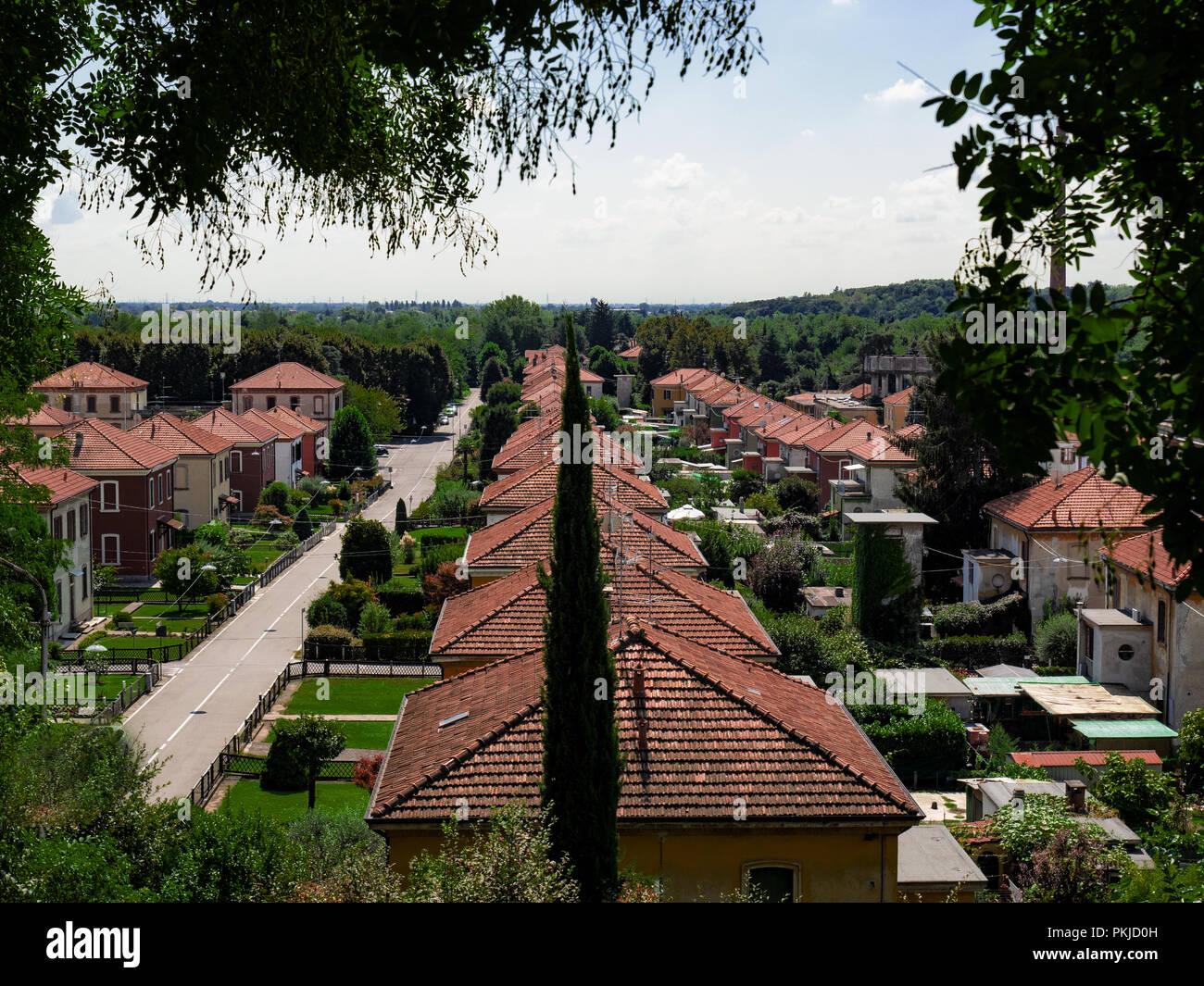 Case Piccole Con Giardino : Piccole case con giardino del villaggio operaio di crespi d adda