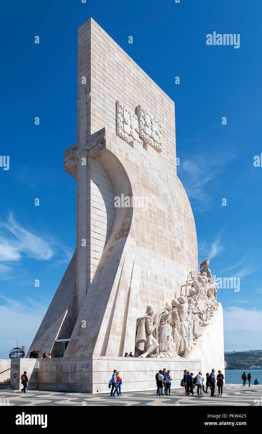 Il Monumento delle Scoperte ( Padrao dos Descobrimentos ), quartiere Belem, Lisbona, Portogallo Immagini Stock