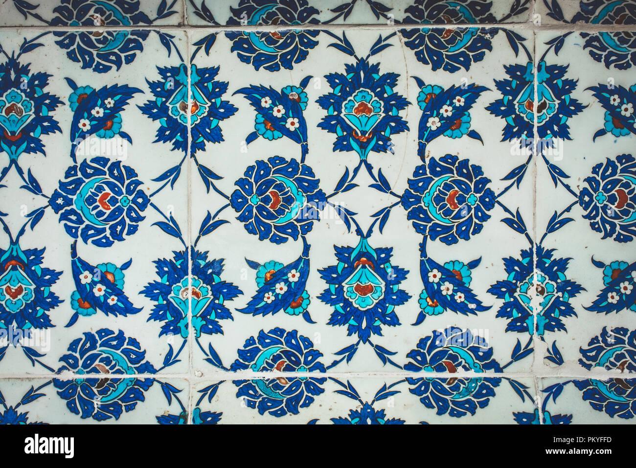 Ottomano fatti a mano antico bagno turco di piastrelle con motivi