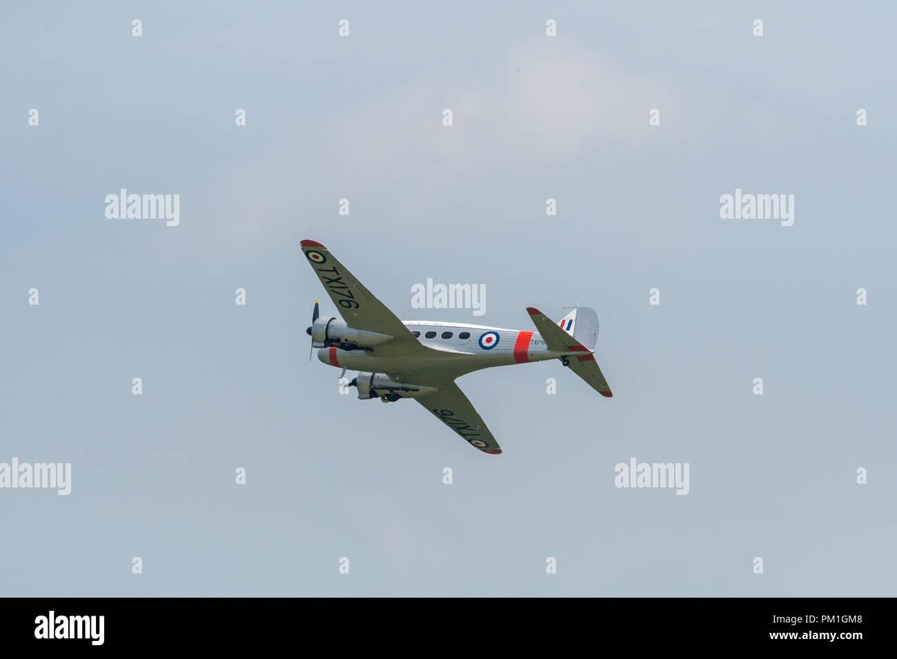 TELFORD, Regno Unito, 10 giugno 2018 - una fotografia di documentare un assolo di visualizzazione di un Avro C19 Anson per celebrare il centenario della RAF Immagini Stock