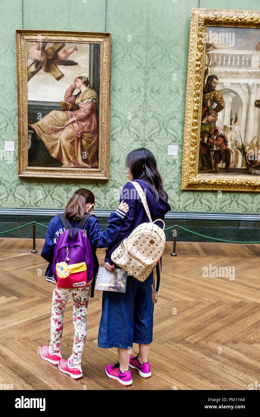 Londra Inghilterra Gran Bretagna Regno Unito Trafalgar Square Il NationalGallery art museum all'interno dipinto Paolo Veronese Il Sogno di San Immagini Stock