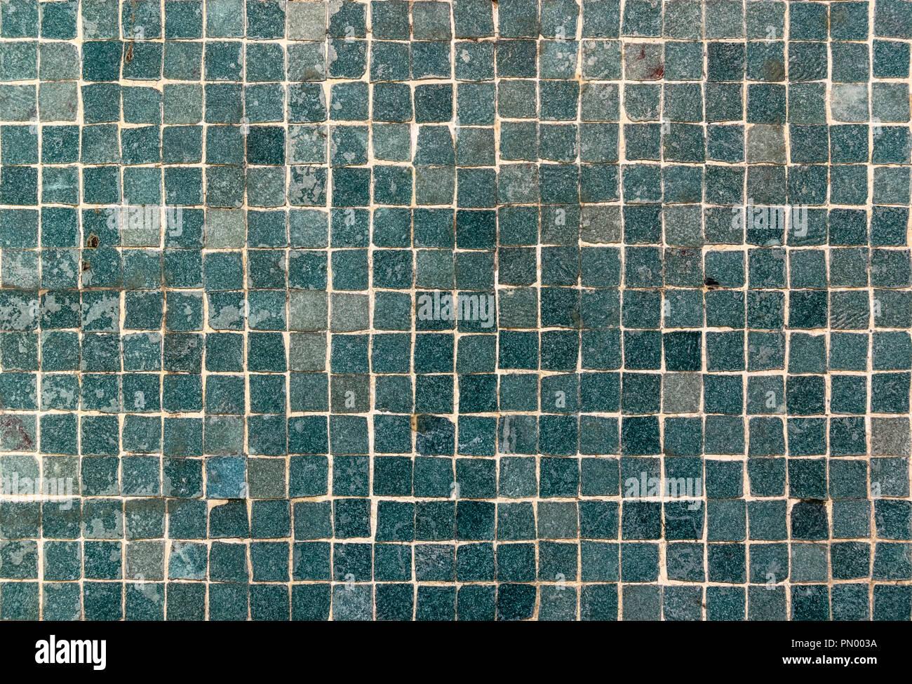 Piccole piastrelle verdi texture a parete foto & immagine stock