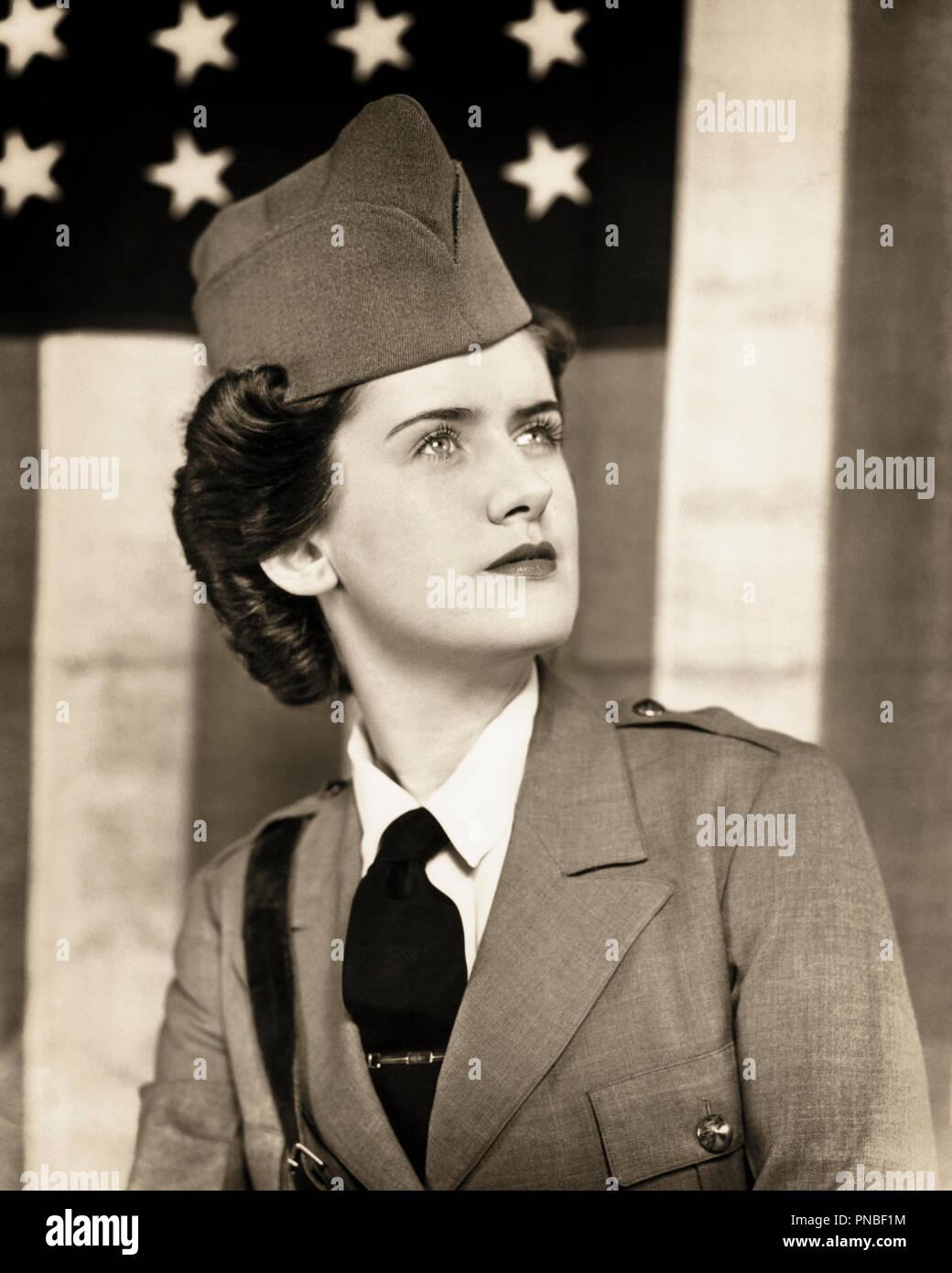 Costume dell/'Esercito 1930s 1940s Donna Uniforme Costume vestito militare prima guerra mondiale 2