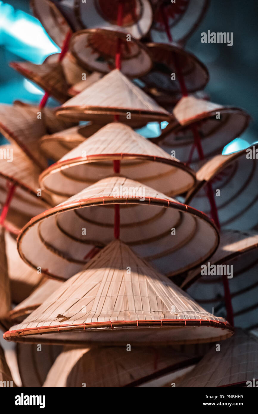 Japanese Conical Hat Immagini   Japanese Conical Hat Fotos Stock - Alamy 29020f611b3c
