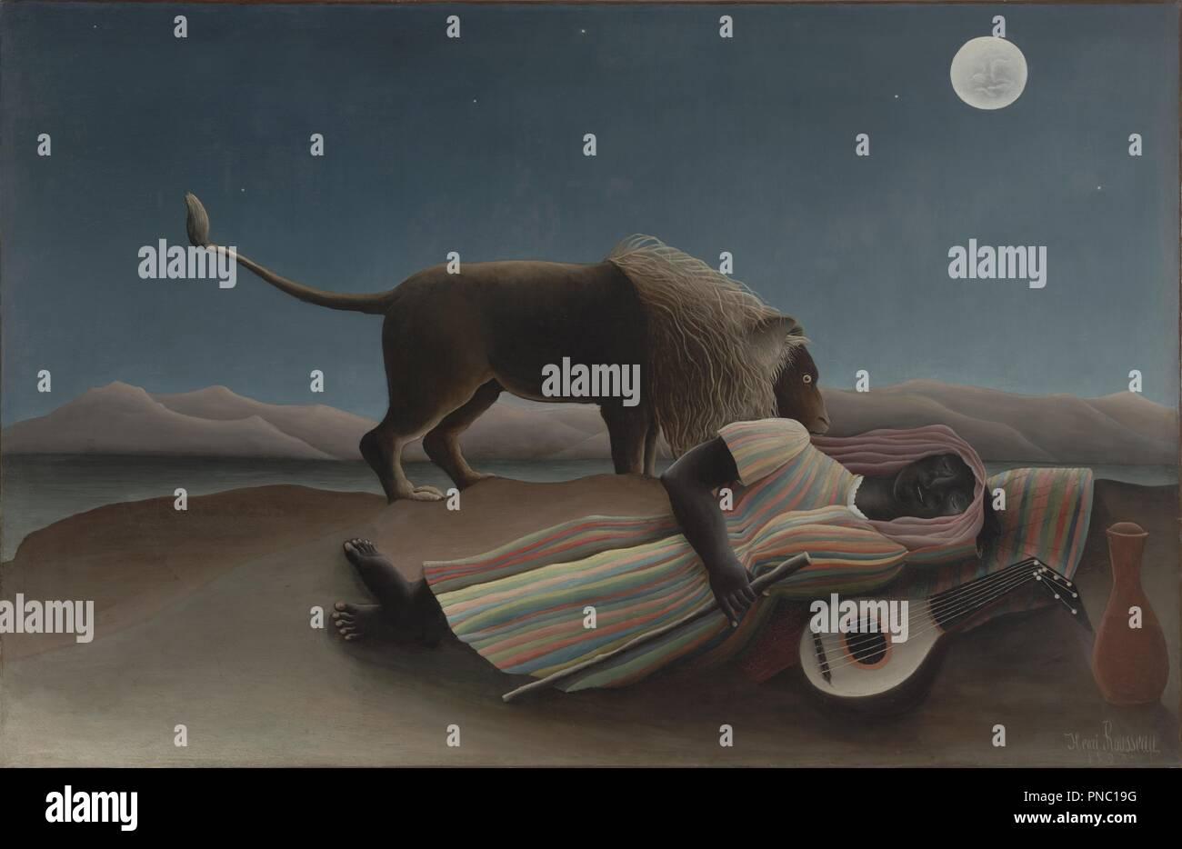 La Bohémienne endormie / Sleeping Gypsy. Data/Periodo: 1897. La pittura. Olio su tela. Altezza: 129,5 cm (50,9 in); larghezza: 200.7 cm (79 in). Autore: Henri Rousseau. ROUSSEAU, Henri. Rousseau, Henri Julien Félix. Immagini Stock