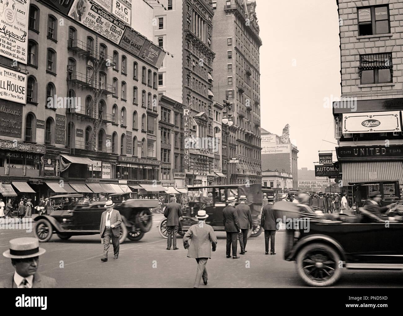 1910s 1920 EAST 42ND STREET dalla Fifth Avenue di vedere la parte superiore  della stazione Grand Central Midtown Manhattan New York STATI UNITI D  AMERICA ... 42fbd92721af
