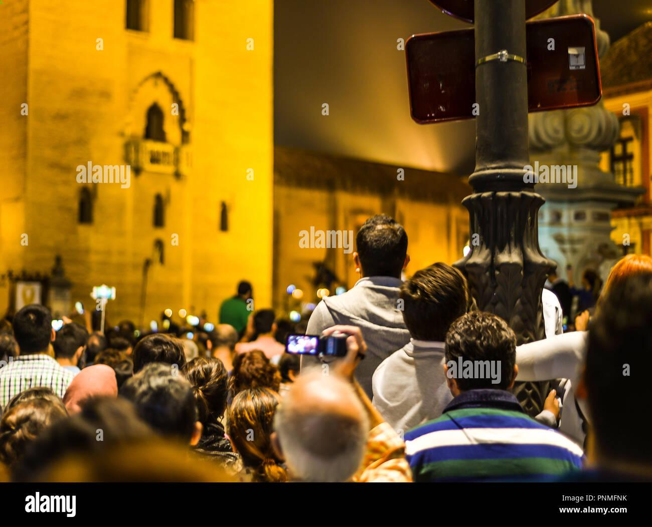 Sevilla/Spagna - 10/13/16 - un evento religioso di notte Immagini Stock