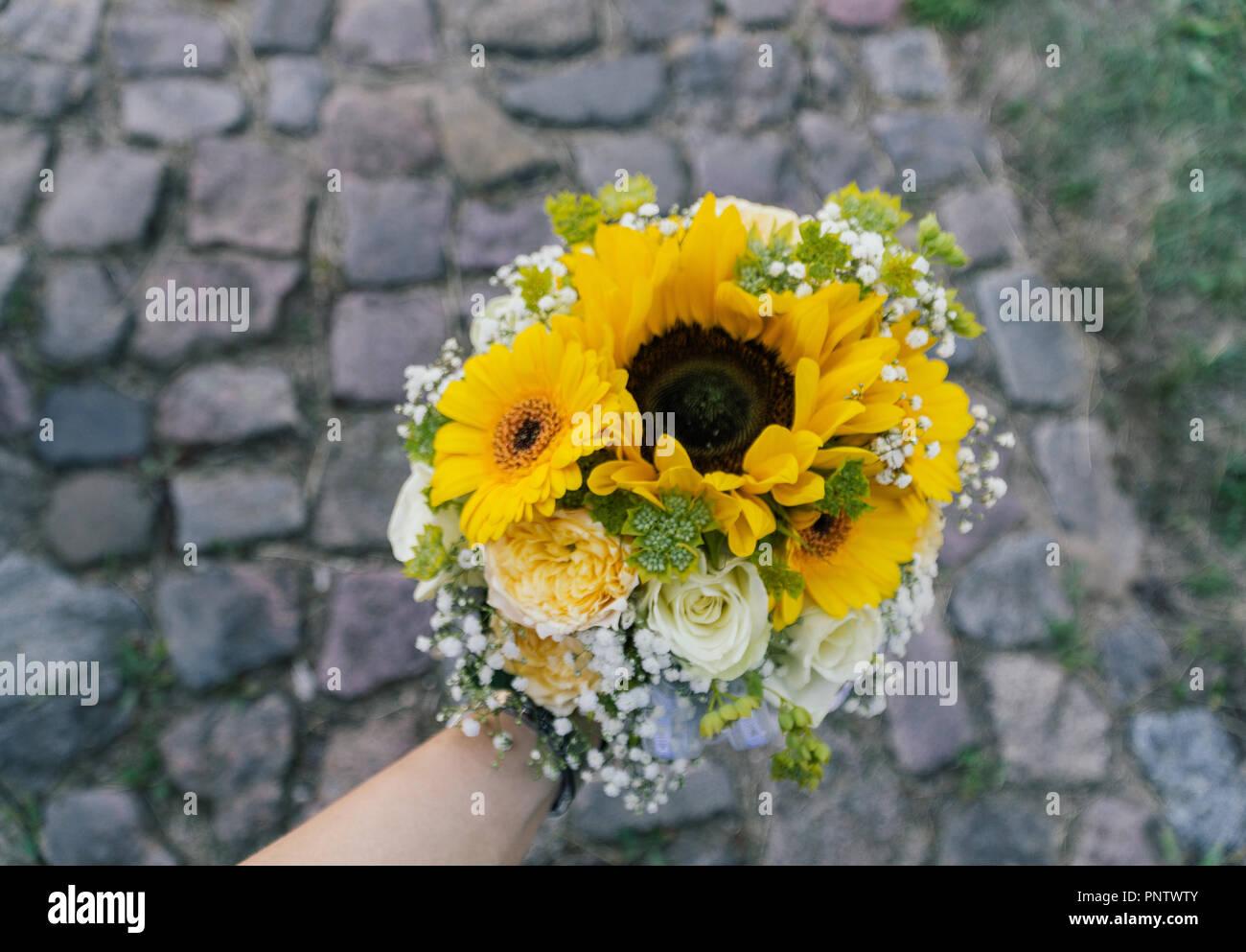 Matrimonio Fiori Girasole : Acquista matrimonio bouquet di fiori realistico artificiale
