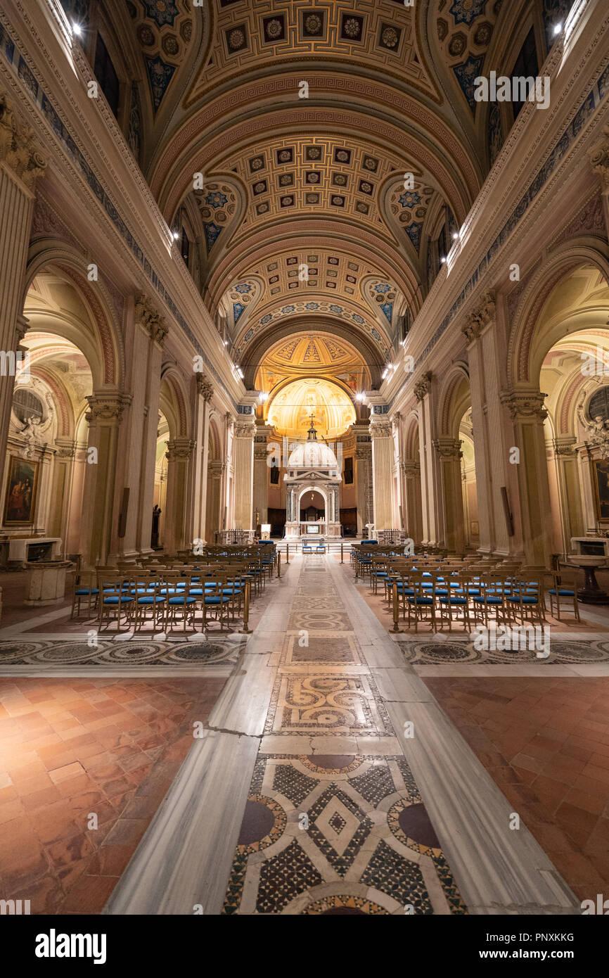 Una bella chiesa accanto al buco della serratura, Roma, Italia. Immagini Stock