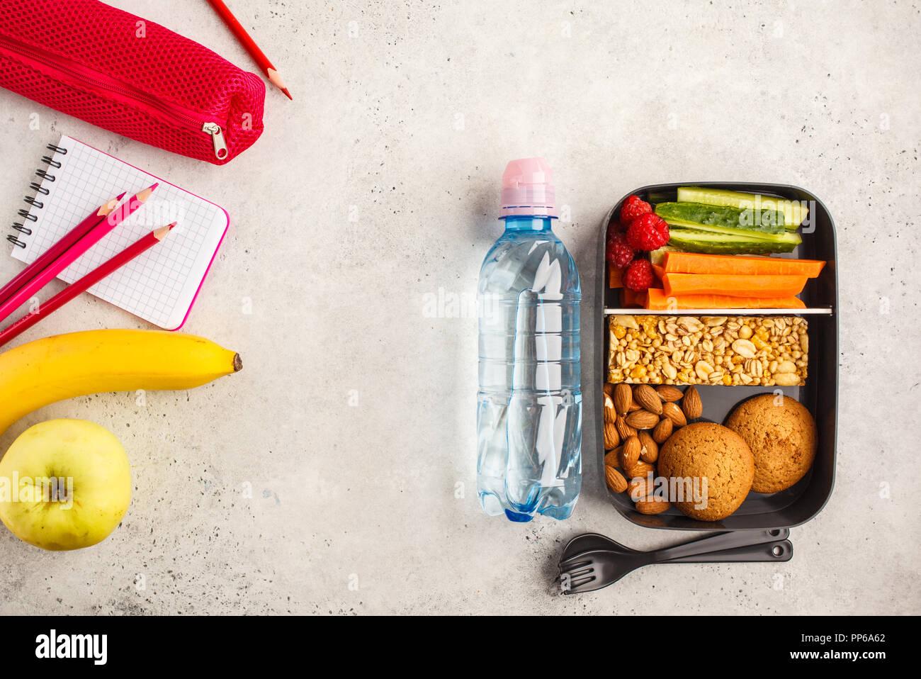 Spuntini Sani Per La Scuola : Scuola laici piana pasto sano prep contenitori con frutti bacche
