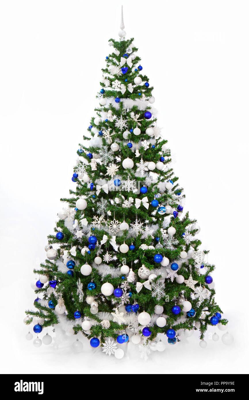 Foto Alberi Di Natale Bianchi studio shot di un riccamente decorate albero di natale con