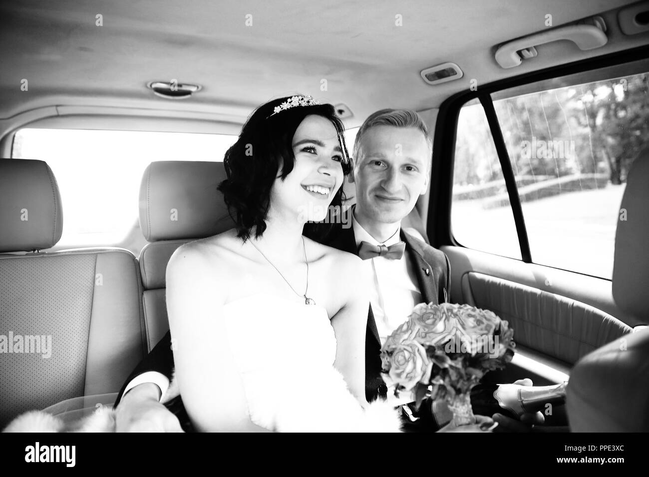 19cfa8188087 Newlywed Black And White Vintage Immagini   Newlywed Black And White ...