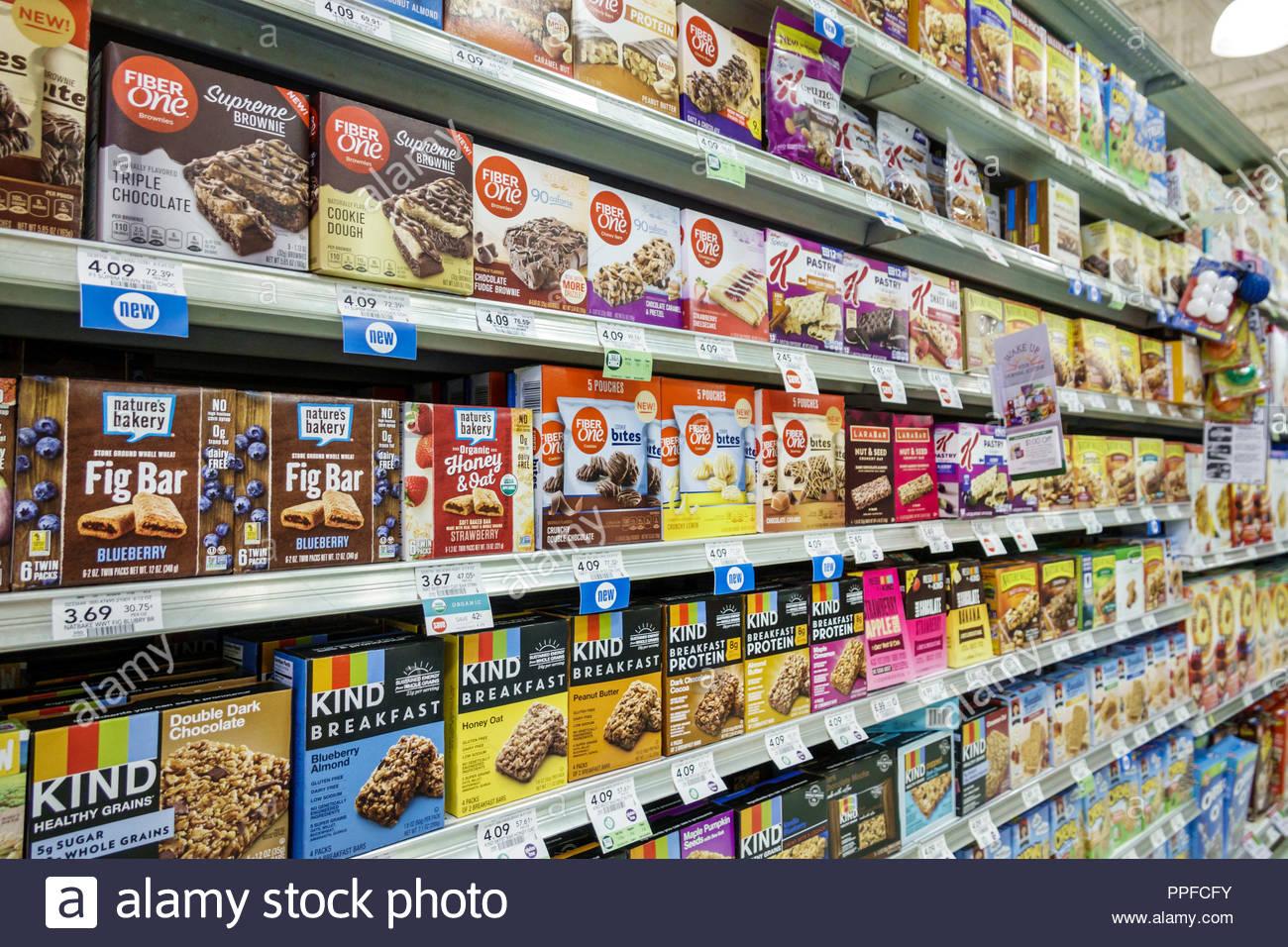 West Palm Beach Florida Publix Fruttivendolo supermercato interno ripiani alimentari vendita display bar per la colazione una fibra della natura tipo da forno Immagini Stock