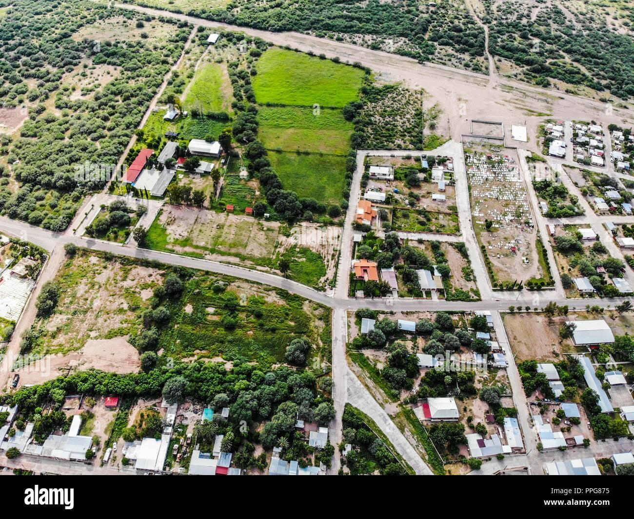 Huasabas, Sonora Messico. Sierra Alta. Sierra Madre Occidental. (Foto: LuisGutierrez/NortePhoto) Tiro de alto ángulo del scape de la ciudad con Immagini Stock