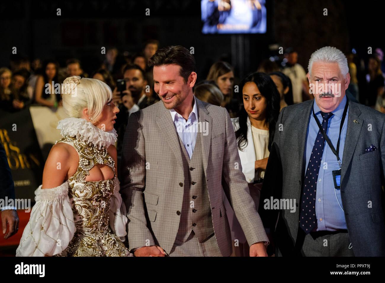 Londra, Regno Unito. 27 Settembre, 2018. Lady Gaga e Bradley Cooper in è  nata una stella