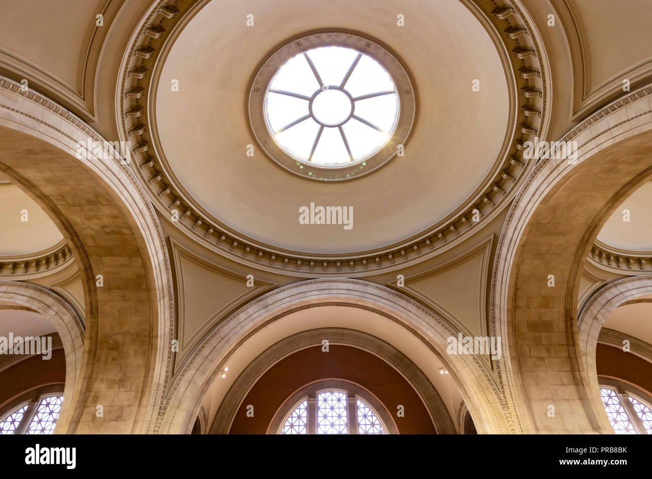 La città di New York, Stati Uniti d'America - 8 Ottobre 2017: vista dell'interno del Metropolitan Museum of Art di New York City. Foto Stock