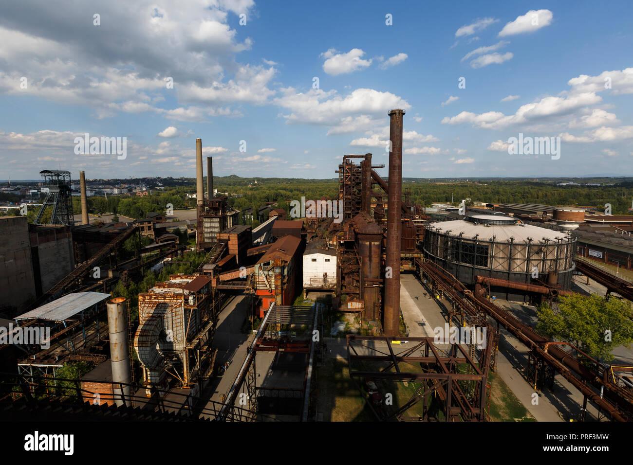 Ostrava, Repubblica Ceca - 21 agosto 2018: Vista di Vitkovice inferiore, un sito nazionale del patrimonio industriale costituito da una collezione unica di indust Immagini Stock