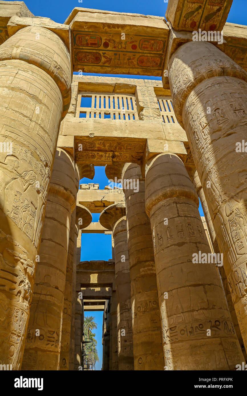 Il Hypostyle Hall nel tempio di Amon al complesso del Tempio di Karnak, anche noto come il Tempio di Karnak, a Tebe, Luxor, Egitto Immagini Stock