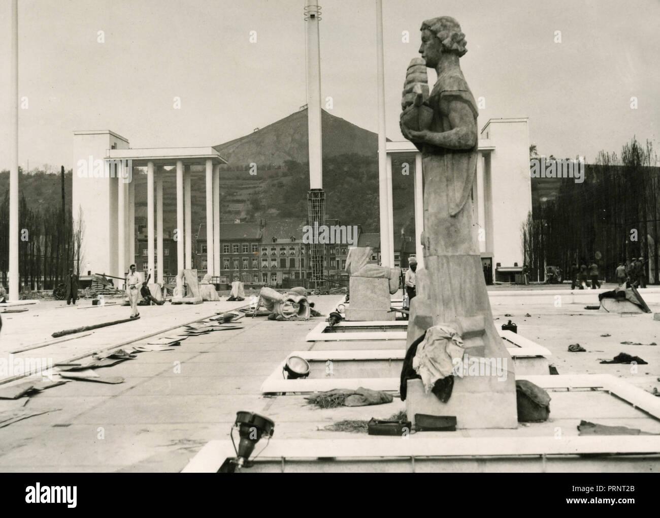 La fiera internazionale di acqua preparazione finale di Liegi, Belgio 1939 Foto Stock