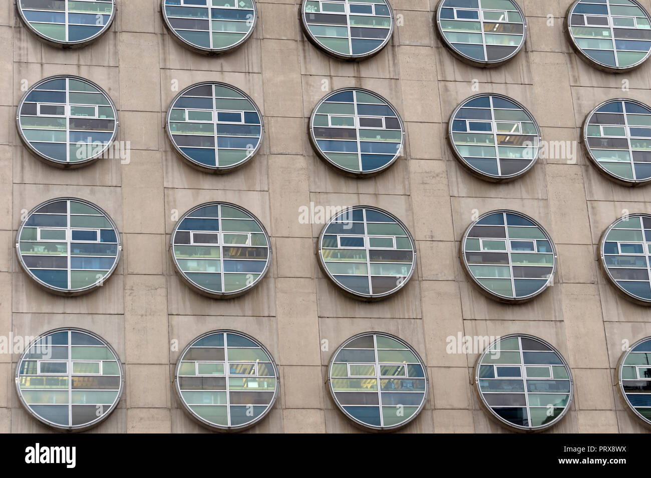 Vedove circolare della BC Cancer Research Center building in Vancouver, BC, Canada Foto Stock