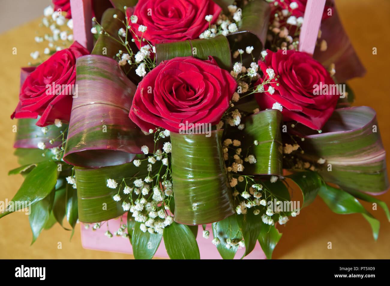 Mazzo Di Fiori Enorme.Bouquet Di Rose Rosse Di Close Up Bouquet Di Rose Fiori Di Close