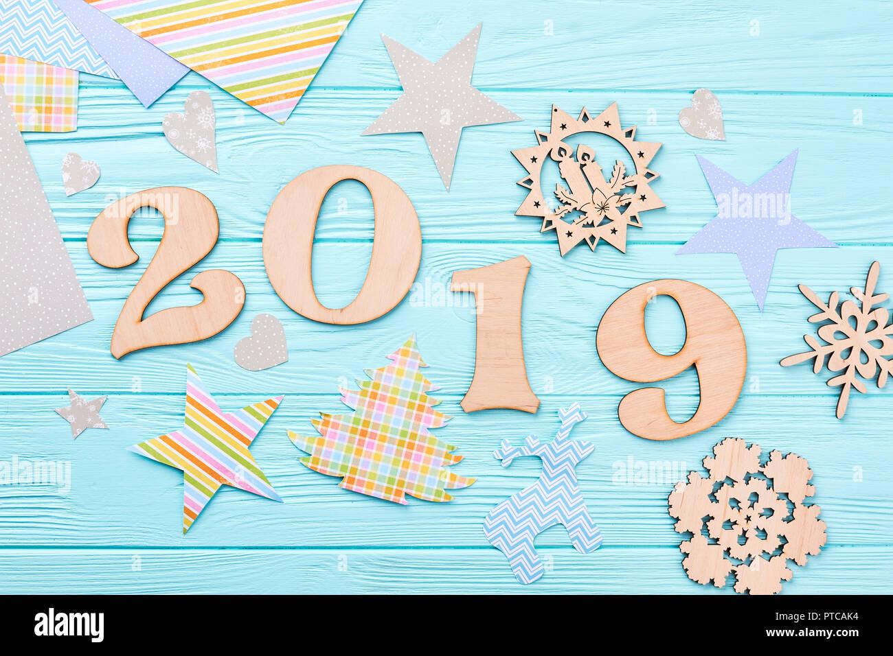 Calendario Taglio Legna 2020.Nuovo Anno 2019 Design Fatti A Mano In Legno Intagliato