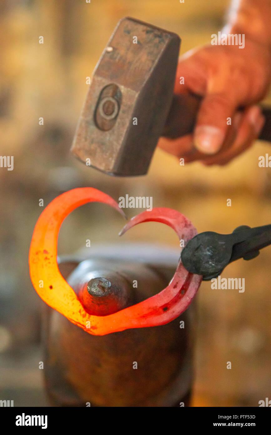 Ein Herz aus Eisen schmieden Immagini Stock