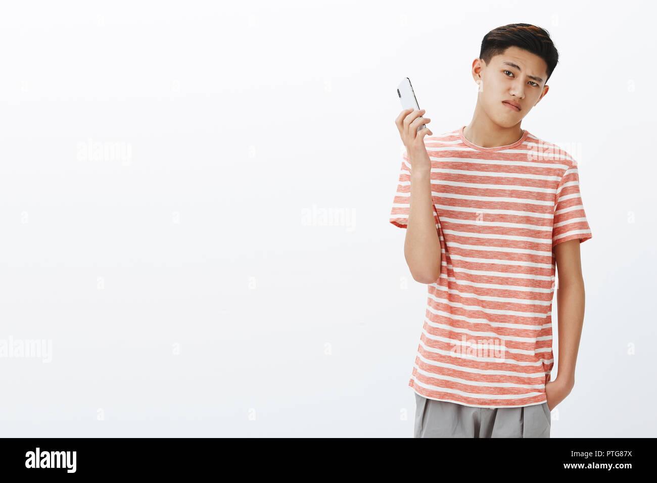 brand new 63850 e53f9 Bossy grave-alla moda giovane adolescente ragazzo asiatico ...