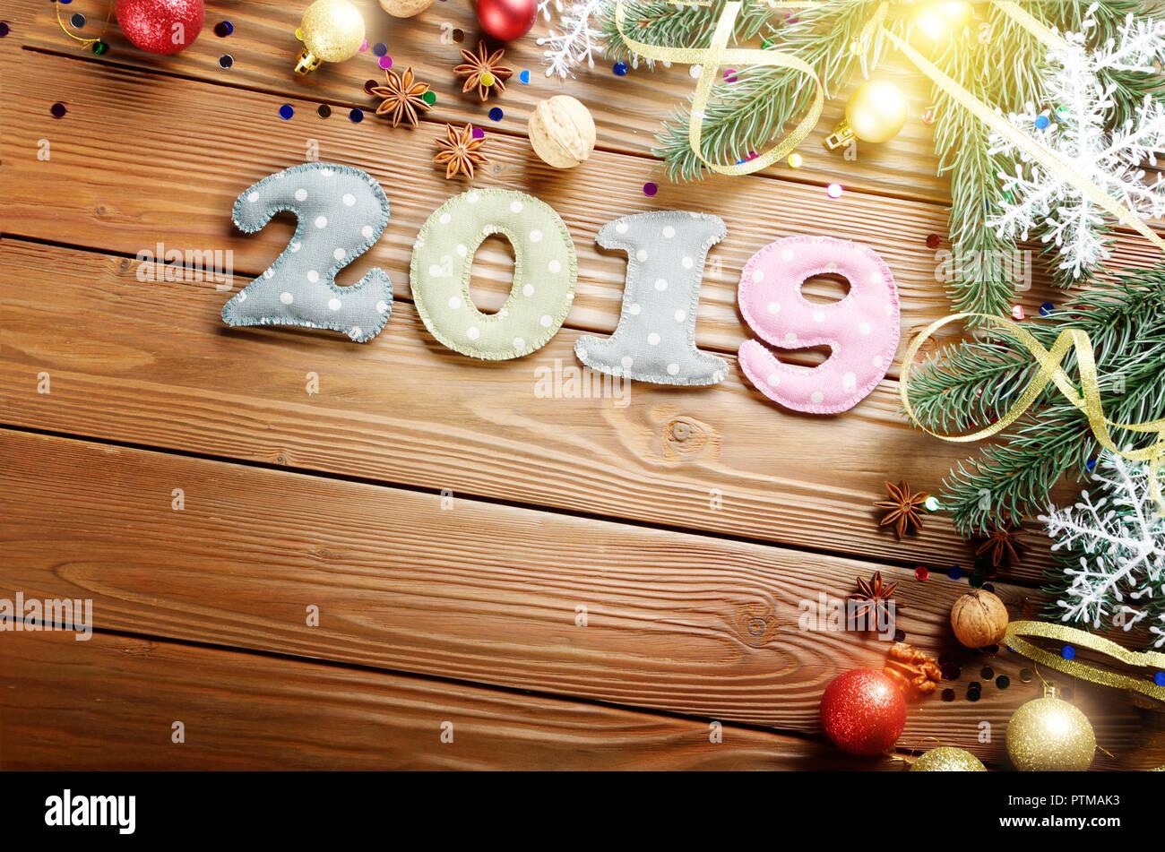 Decorazioni Natalizie 2019.Colorata Cucito Cifre 2019 Di Polkadot Tessuto Con Decorazioni