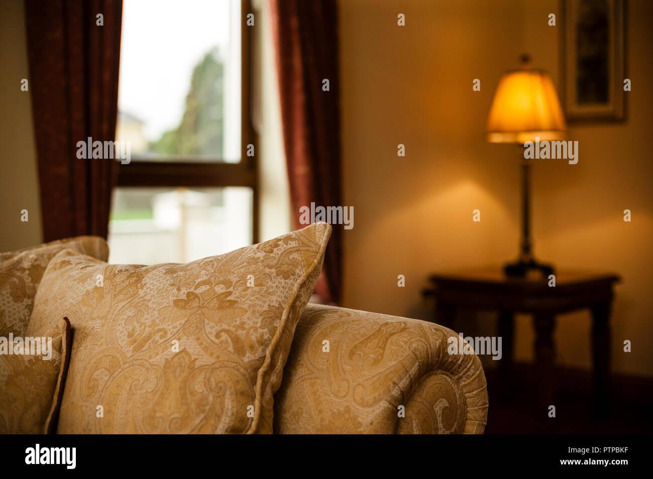 Casa tradizionale interno illuminazione calda foto immagine