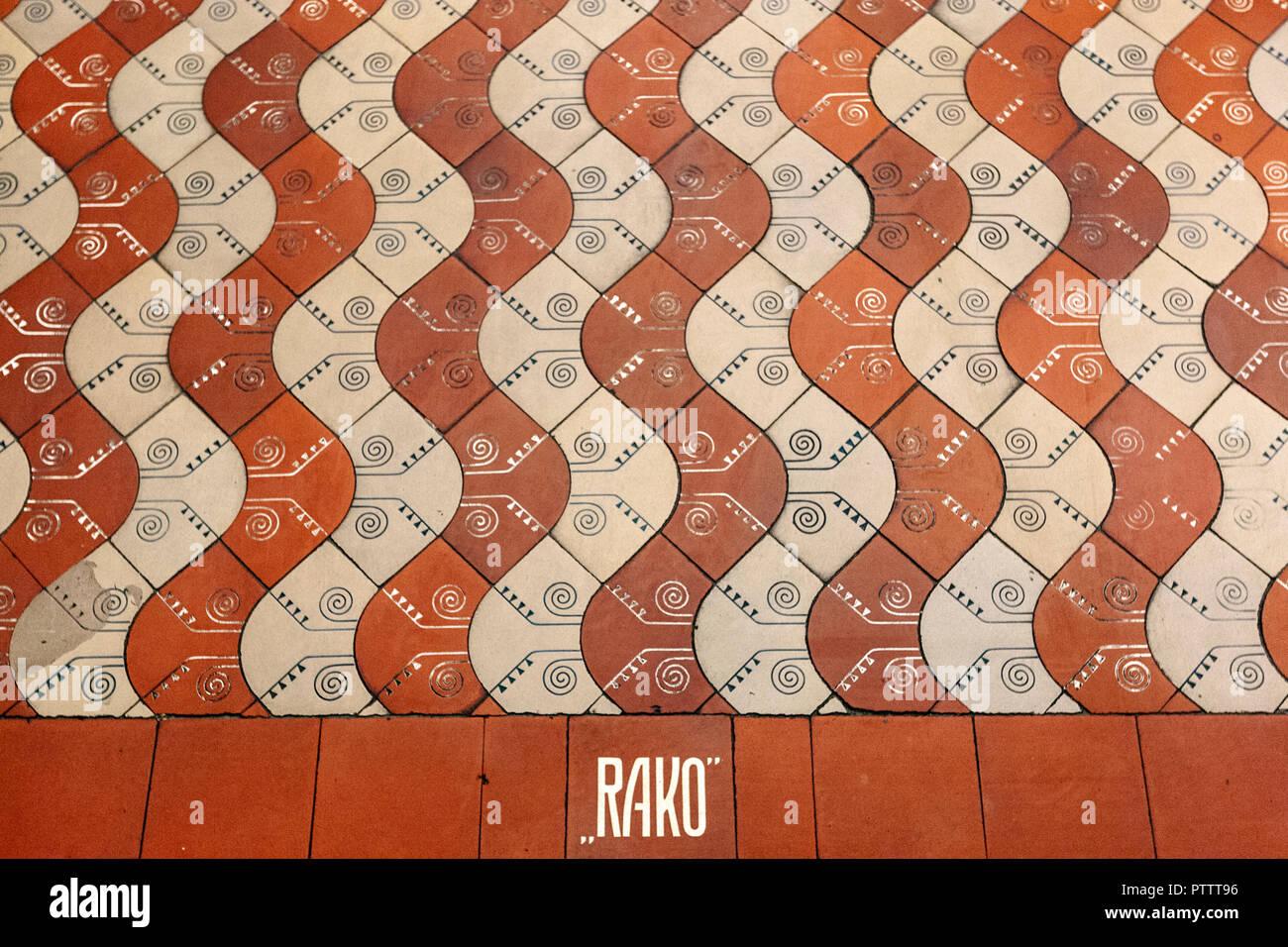 Originale di rivestimenti in ceramica e piastrelle per pavimenti