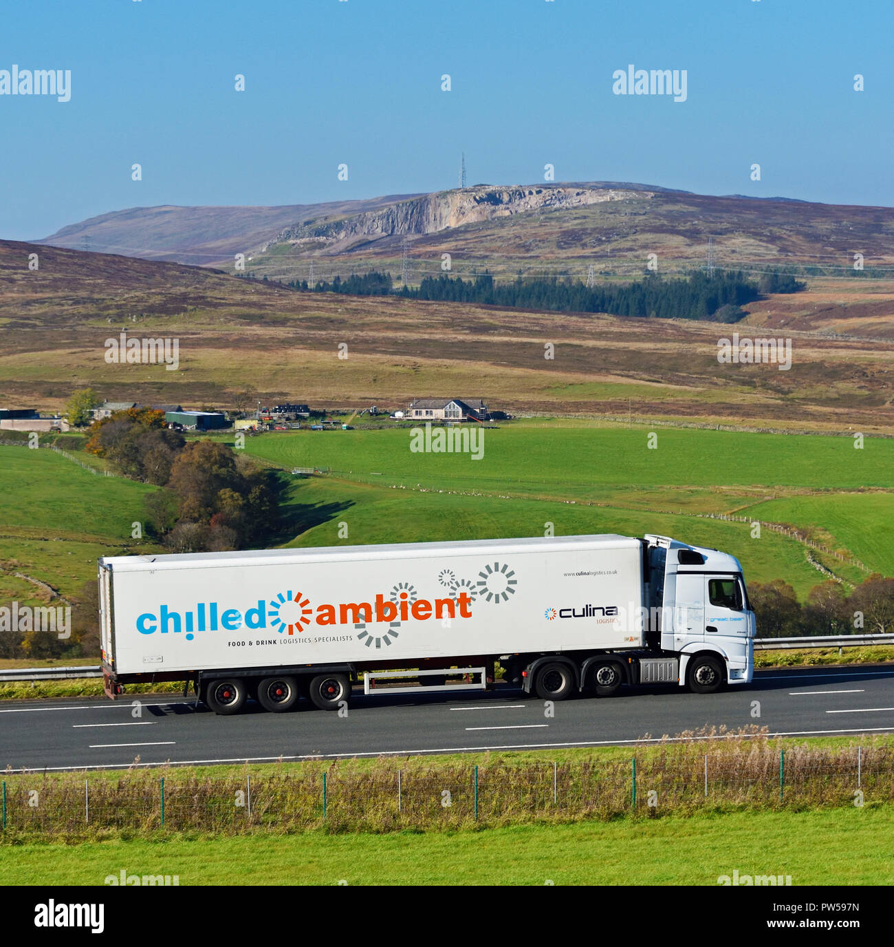 Culina Logistics HGV. Refrigerati e a temperatura ambiente il cibo e le bevande specialisti di logistica. M6 in direzione nord della carreggiata, Shap, Cumbria, Inghilterra, Regno Unito. Immagini Stock