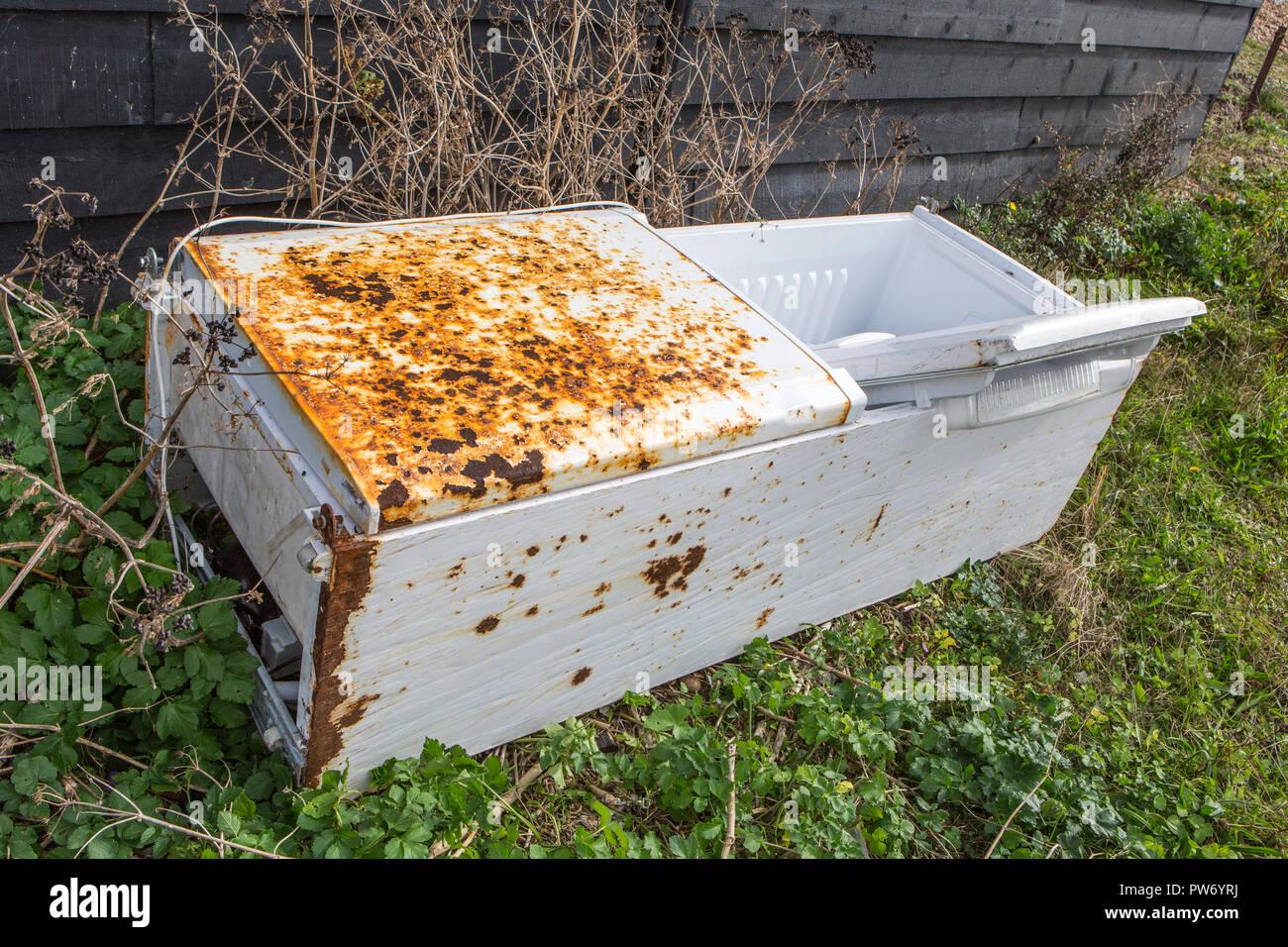 Un scartato frigo/freezer Immagini Stock