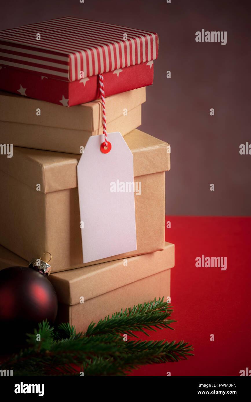 Scatole Per Regali Di Natale.Regali Di Natale Immagine Con Una Pila Di Scatole Regalo Un Galateo